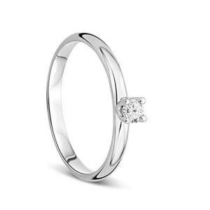 Anillo de oro blanco con talla de diamante