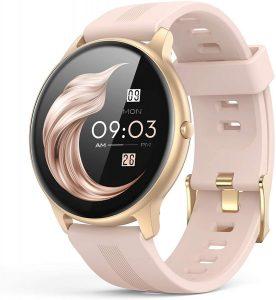Reloj moderno de mujer inteligente